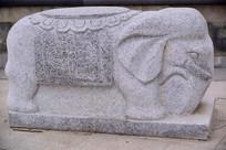 动物石雕大象