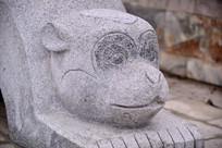 动物石雕猴子图案