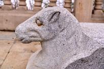 动物石雕马图