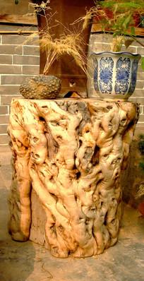 根雕和花盆图片