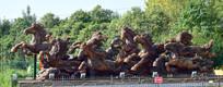 骏马奔腾大型木雕