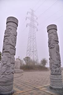 寿星广场上的石柱