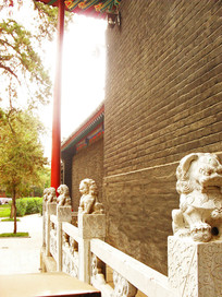 寺庙中的石狮子护栏