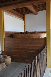 古代家用粮仓