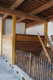 老物件古代粮仓
