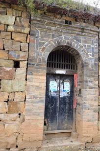 豫西青砖拱券门建筑摄影