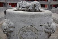 古代井圈石摄影图