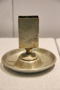 民国时期钢制烛台