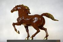 铜雕枣红骏马