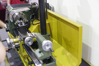 小型机械车床