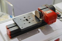 小型钻孔机