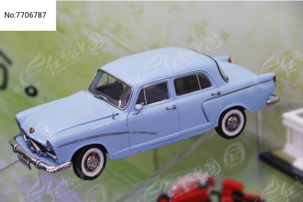 老式轿车图片