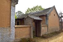 青砖大门土围墙建筑