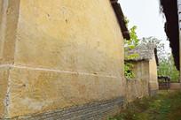 青砖地基土房子图片