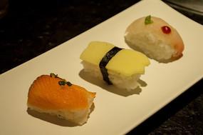 碟子上的寿司