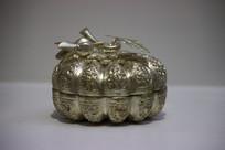卷草纹银质茶叶罐