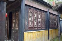 老建筑木雕纱窗图片