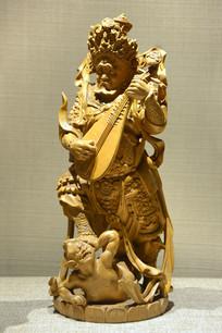 木雕持国天王