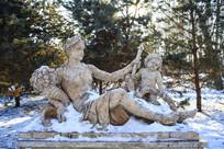 母子雕塑欧洲风格
