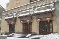 雪中复古砖墙建筑