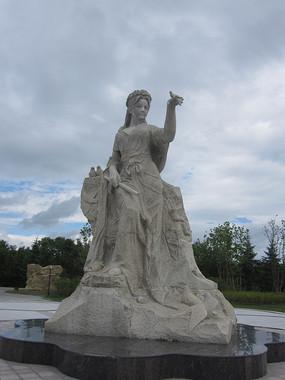 少女人像雕塑