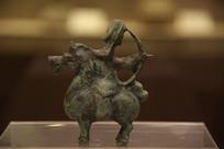 东汉青铜骑士俑