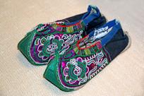三江丹州侗族绣花布鞋