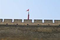 城墙上的旗帜