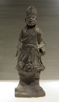 明代文物彩绘陶夹伞侍役俑