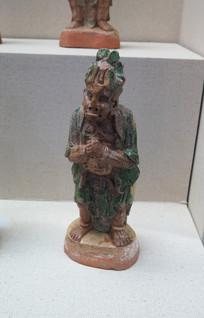 奉节县出土的三彩人物俑