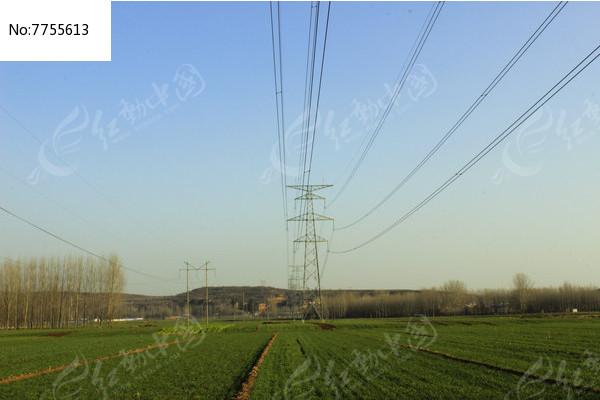 高压输电铁塔图片
