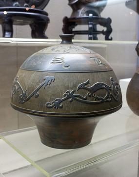 鸟纹陶制品