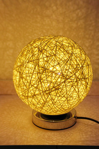 球形线球式样小台灯