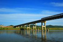 室韦中俄界河大桥