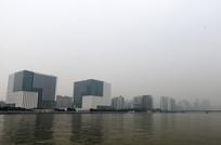 珠江对岸的建筑