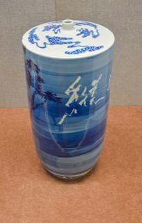 景德镇纵高千尺瓷瓶