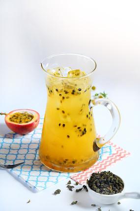 百香果绿茶饮品