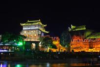 夜色斑斓的凤凰古城