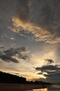 云层上夕阳