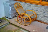 竹编的摇椅