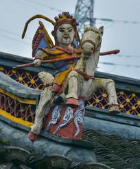 古代武将骑马雕像