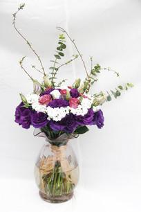 插在花瓶里的玫瑰鲜花手札