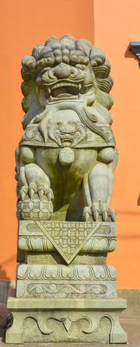 接待寺石狮子