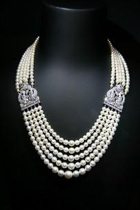 卡塔尔珠宝珍珠项链