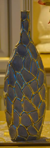 装饰工艺品龟裂花纹细口瓶
