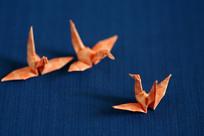 粉红色的纸鹤