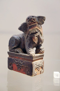 民国时期木雕樟木狮子香台