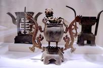 民国时期铜制狮龙纹烛台