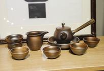 一套陶瓷茶具