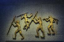 远古人生活雕像狩猎